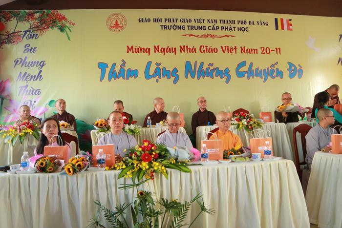 [HÌNH ẢNH] ngày nhà giáo Việt Nam 20-11 tại Trường TCPH Đà Nẵng