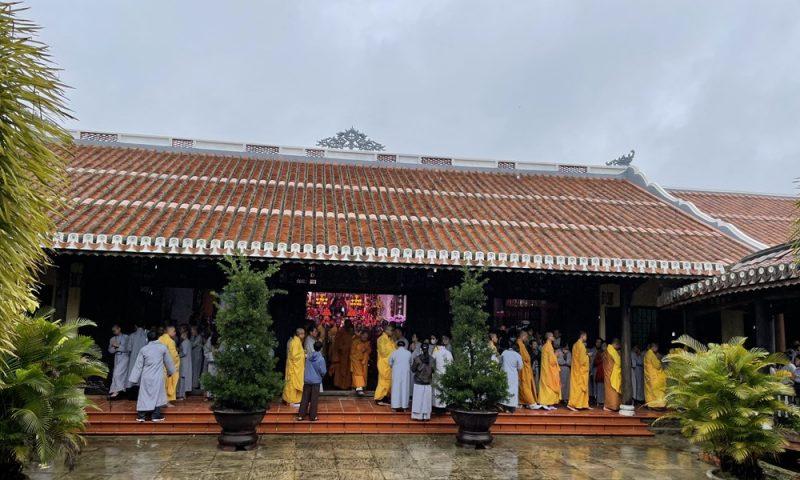 [Hình ảnh] Tăng Ni sinh viên, học viên Cư sĩ Trường Phật Học Đà Nẵng lễ tổ & tìm hiểu truyền thừa Phật giáo dòng Lâm Tế Chúc Thánh tại tổ đình Chúc Thánh Hội An 20/12/2020