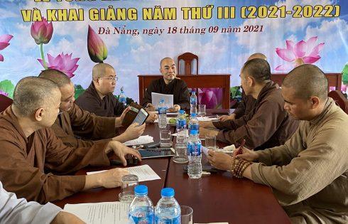 Ban giám hiệu Trường Trung Cấp Phật Học Đà Nẵng tổ chức họp bàn kế hoạch chuẩn bị công tác giảng dạy sau giản cách xã hội.